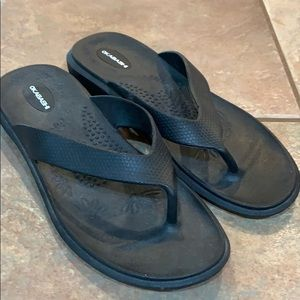 Okabashi Shoes - Okabashi durable molded black flip flops s…